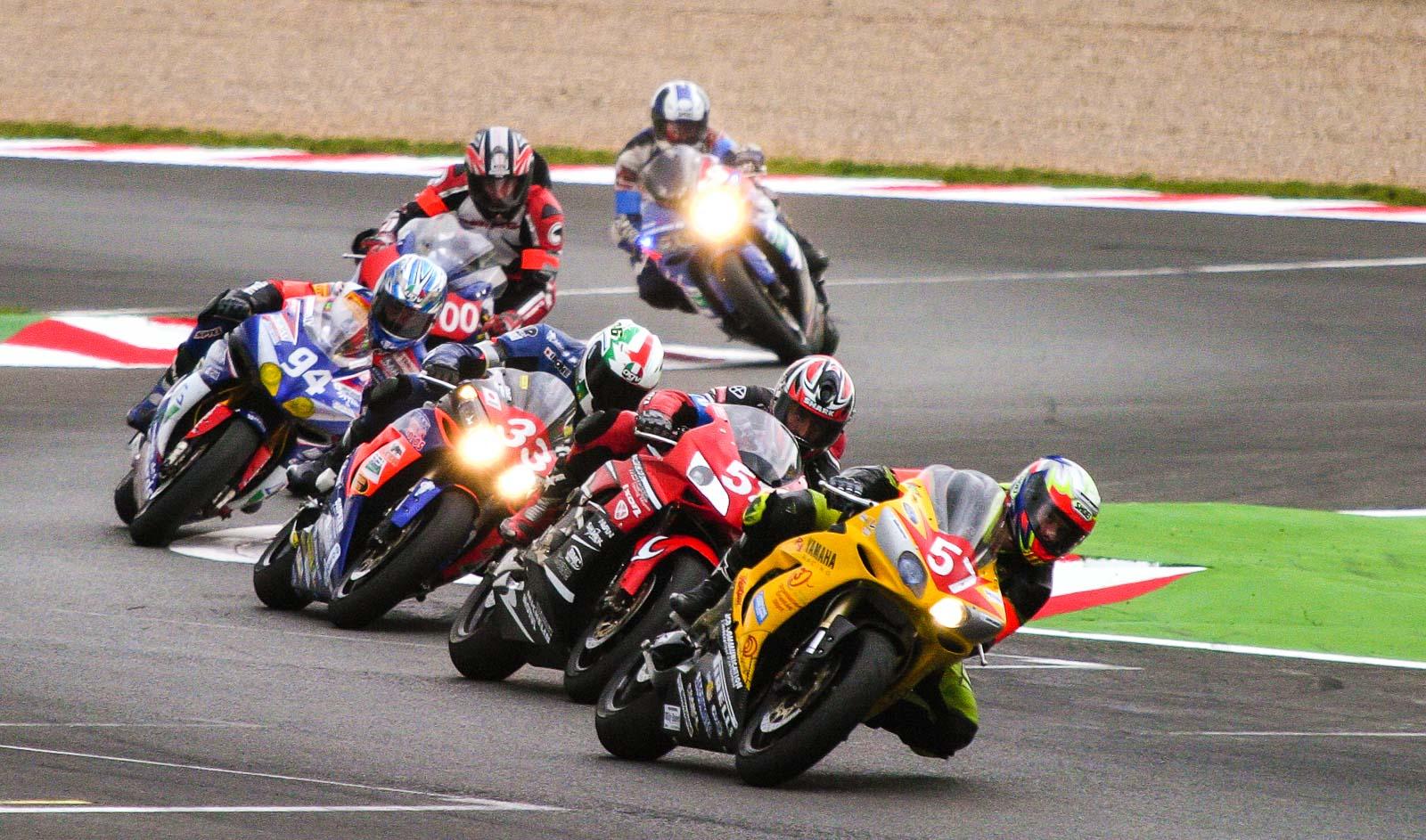 groupe de motos