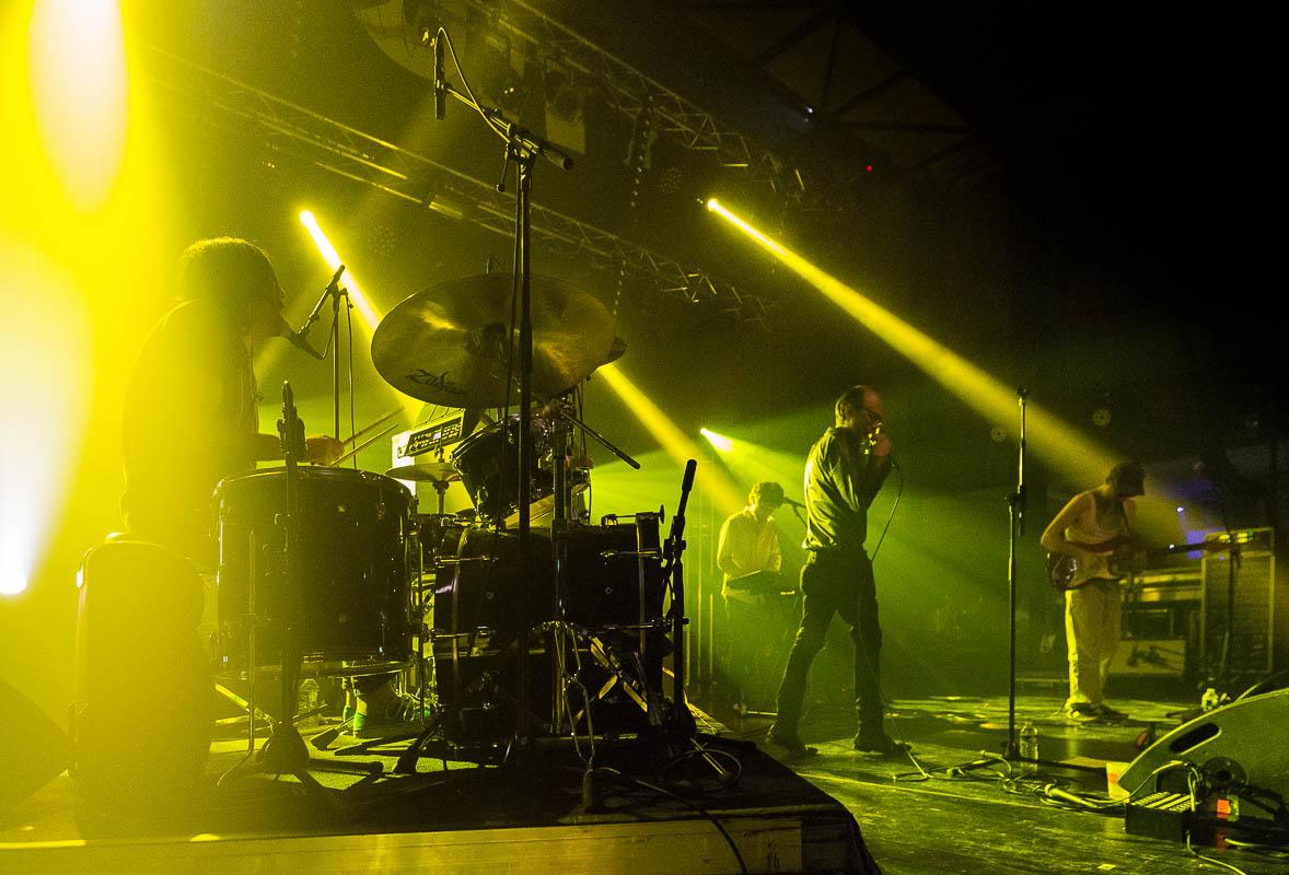 le groupe poni hoax en concert